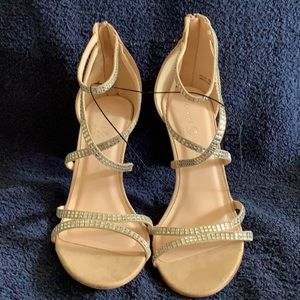 NWOT Chinese Laundry Strappy Heels